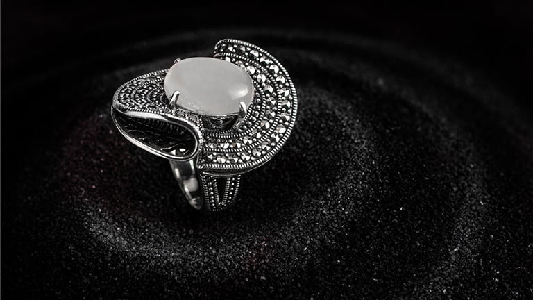How To Buy The 925 Sterling Silver Rings Wholesale?